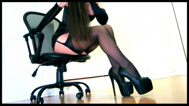 CamDiva ~ Sensual teasing in a corset and layered hosiery