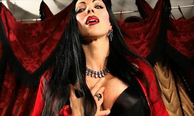 Femdom Vampire Download 36